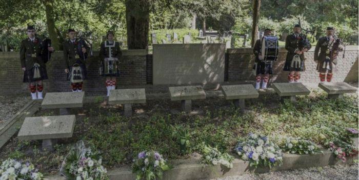 Twentol Oorlogsmonument begraafplaats Steenbrugge